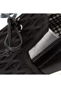 Czarne półbuty casual Pollini na co dzień, z aplikacjami
