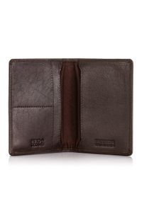 BRODRENE - Skórzany cienki portfel męski z ochroną RFID Brodrene 5574 c.brązowy. Kolor: brązowy. Materiał: skóra. Wzór: gładki