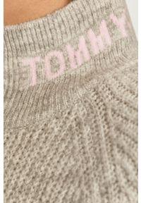 Szary sweter Tommy Jeans z długim rękawem, długi