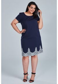Niebieska sukienka dla puszystych Moda Size Plus Iwanek na komunię, na lato