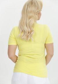 Born2be - Żółty T-shirt Samishis. Kolor: żółty