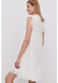 Haily's - Sukienka. Okazja: na co dzień. Kolor: biały. Materiał: tkanina. Wzór: aplikacja. Typ sukienki: proste. Styl: casual