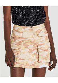 Patrizia Pepe - PATRIZIA PEPE - Bawełniana mini spódnica moro. Kolor: beżowy. Materiał: bawełna. Wzór: moro