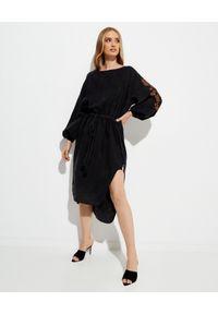 ONETEASPOON - Czarna sukienka z haftem. Kolor: czarny. Materiał: wiskoza. Wzór: haft. Styl: boho, elegancki. Długość: midi