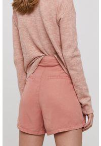 Vero Moda - Szorty. Kolor: różowy. Materiał: jedwab, lyocell, materiał, tkanina. Wzór: gładki