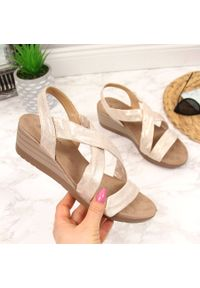 Beżowe sandały S.Barski