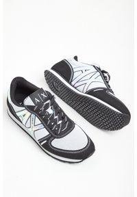 Buty sportowe Armani Exchange w kolorowe wzory
