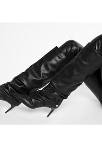 Czarne kozaki Love Moschino na średnim obcasie, z cholewką przed kolano, na obcasie, z cholewką
