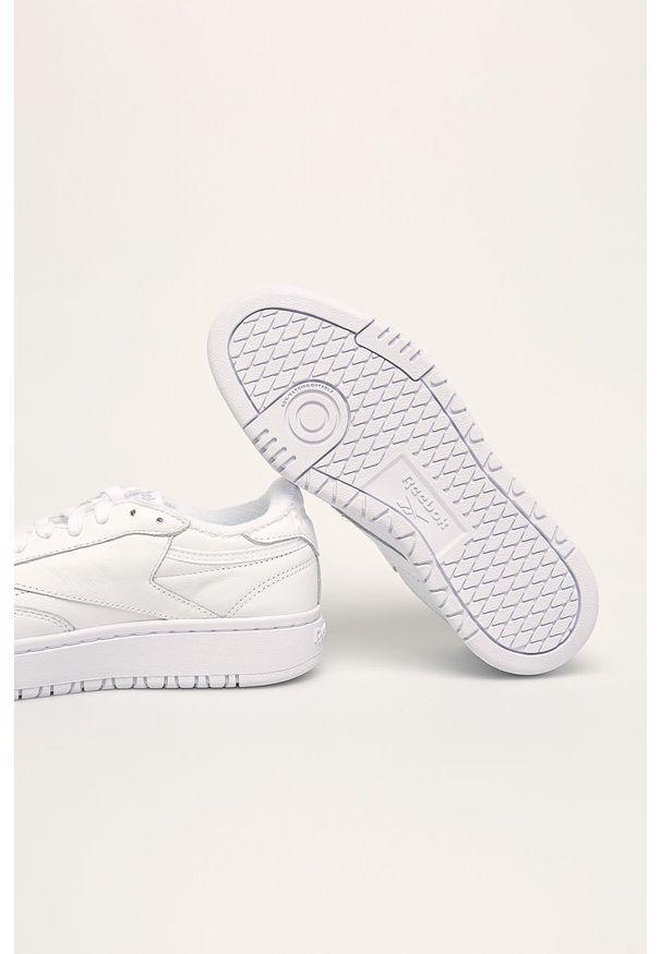 Białe buty sportowe Reebok Classic z okrągłym noskiem, z cholewką, Reebok Classic, na sznurówki