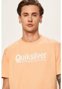 Pomarańczowy t-shirt Quiksilver z okrągłym kołnierzem, z nadrukiem