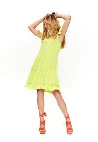 Żółta sukienka TOP SECRET elegancka, na ramiączkach, z falbankami