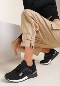 Renee - Czarne Sneakersy Viviarinia. Kolor: czarny
