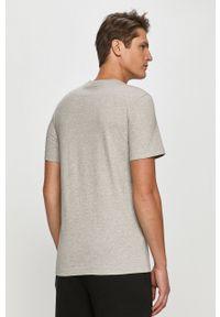 Szary t-shirt Lacoste z aplikacjami