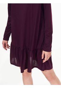 Fioletowa sukienka TROLL prosta, casualowa, na jesień, na co dzień