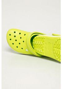 Klapki Crocs bez obcasa
