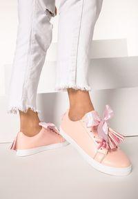 Born2be - Różowe Buty Sportowe Sweet Dreams. Wysokość cholewki: przed kostkę. Nosek buta: okrągły. Kolor: różowy. Materiał: jeans, tiul, koronka, materiał. Szerokość cholewki: normalna. Wzór: jednolity, aplikacja. Styl: sportowy