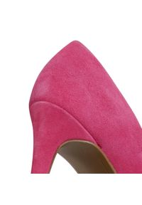 Różowe szpilki Tamaris eleganckie, z cholewką