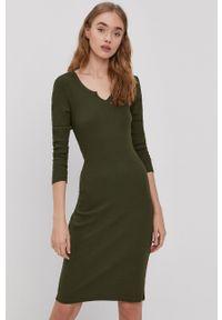 Brave Soul - Sukienka. Kolor: zielony. Materiał: dzianina. Długość rękawa: długi rękaw. Wzór: gładki. Typ sukienki: dopasowane