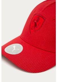 Czerwona czapka z daszkiem Puma z aplikacjami