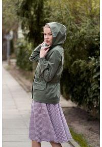 Marie Zélie - Kurtka Estel bawełna oliwkowa. Kolor: oliwkowy. Materiał: bawełna. Długość: krótkie. Sezon: lato