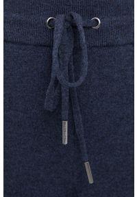 Mos Mosh - Spodnie wełniane. Okazja: na co dzień. Stan: podwyższony. Kolor: niebieski. Materiał: wełna. Styl: casual