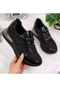 Sneakersy damskie czarne Vinceza. Okazja: na co dzień. Kolor: czarny. Materiał: skóra ekologiczna. Styl: sportowy, casual