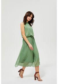Zielona sukienka MOODO boho, z okrągłym kołnierzem