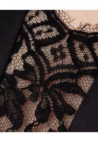 Czarna sukienka mini Alexander McQueen elegancka, dopasowana, w koronkowe wzory