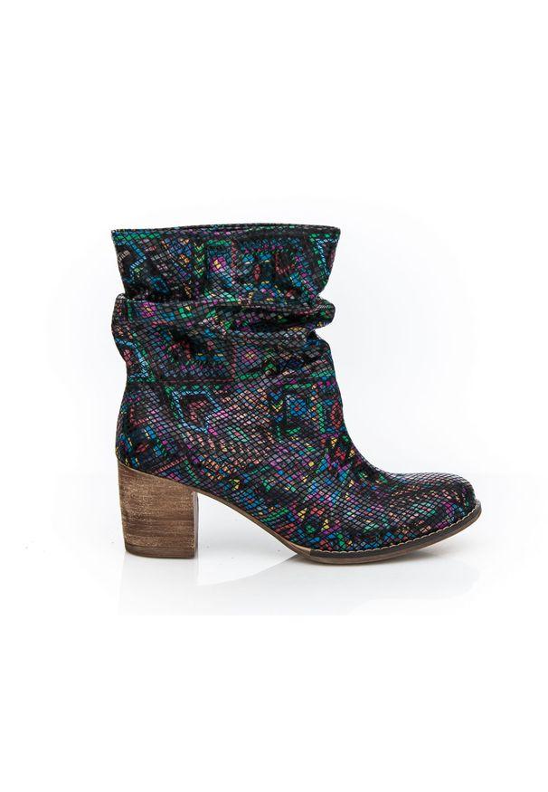 Botki Zapato bez zapięcia, w kolorowe wzory