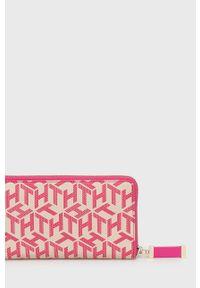 TOMMY HILFIGER - Tommy Hilfiger - Portfel. Kolor: różowy. Materiał: materiał