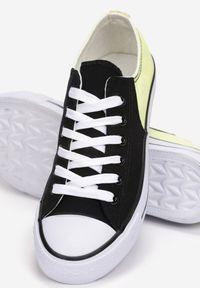 Born2be - Czarno-Żółte Trampki Ashiphae. Wysokość cholewki: przed kostkę. Nosek buta: okrągły. Zapięcie: sznurówki. Kolor: czarny. Materiał: materiał, guma. Szerokość cholewki: normalna. Styl: sportowy, klasyczny
