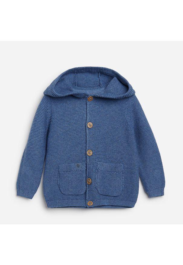 Niebieska bluza Reserved z kapturem