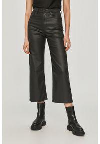 Pepe Jeans - Spodnie Lexa Gloss. Kolor: czarny. Materiał: skóra