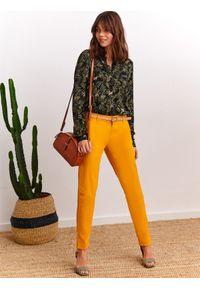 Żółte spodnie TOP SECRET do pracy, w kolorowe wzory