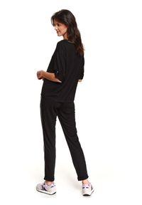 Czarna bluza TOP SECRET z aplikacjami