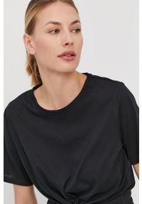 Only Play - T-shirt. Kolor: czarny. Materiał: dzianina. Wzór: gładki