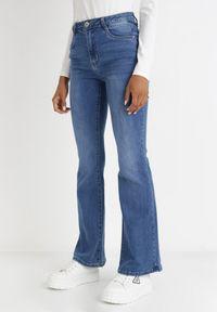 Born2be - Niebieskie Jeansy Dzwony Evilyse. Stan: podwyższony. Kolor: niebieski. Styl: sportowy