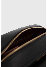 Coccinelle - Torebka skórzana Beat Soft. Kolor: czarny. Materiał: skórzane. Rodzaj torebki: na ramię