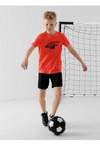 4f - Spodenki sportowe chłopięce (122-164). Kolor: czarny. Materiał: włókno, dzianina. Styl: sportowy