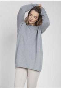MKM - Oversizowy Sweter z Szerokim Dekoltem - Szary. Kolor: szary. Materiał: akryl, wiskoza