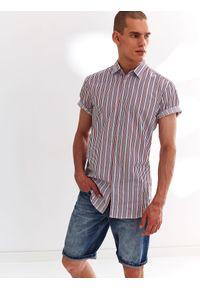 TOP SECRET - Koszula w kratkę z krótkim rękawem. Materiał: materiał. Długość rękawa: krótki rękaw. Długość: krótkie. Wzór: kratka, paski. Sezon: jesień. Styl: elegancki