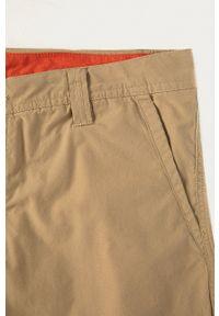 columbia - Columbia - Szorty. Kolor: beżowy. Materiał: tkanina. Wzór: gładki