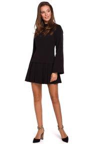 MAKEOVER - Czarna Sukienka z Obniżoną Talią z Półgolfem. Kolor: czarny. Materiał: poliester, elastan