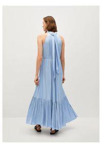 Niebieska sukienka wieczorowa mango