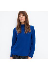 Niebieski sweter Mohito ze stójką