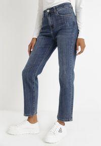Born2be - Niebieskie Jeansy Straight Peisilacia. Stan: podwyższony. Kolor: niebieski. Długość: długie. Wzór: aplikacja