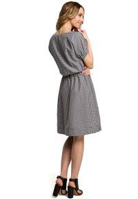 Sukienka MOE w kratkę