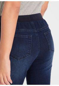 Niebieskie jeansy bonprix w prążki