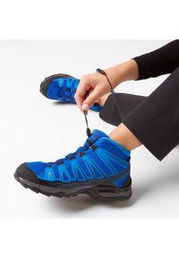 Niebieskie buty trekkingowe salomon z cholewką