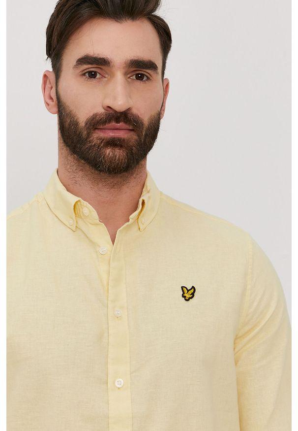 Lyle & Scott - Koszula. Okazja: na co dzień. Typ kołnierza: button down. Kolor: żółty. Materiał: len, tkanina, bawełna. Długość rękawa: długi rękaw. Długość: długie. Wzór: gładki, aplikacja. Styl: casual